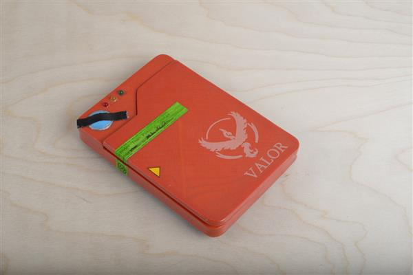 The 3D Printed Pokédex Phone Battery Case Will Enhance Your Pokémon Go Experience_Image 3