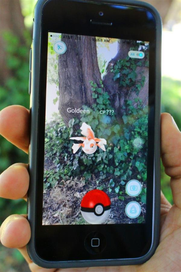The 3D Printed Pokédex Phone Battery Case Will Enhance Your Pokémon Go Experience_Image 2