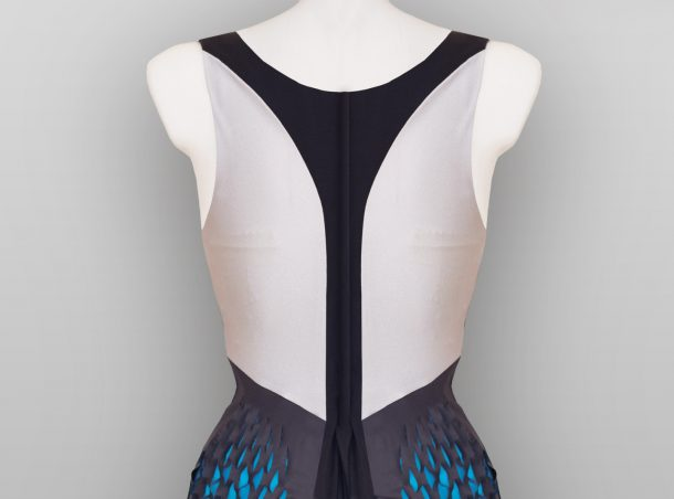 The Muscle Shirt will Change Shape To Display How Your Workout Is Going_Image 4