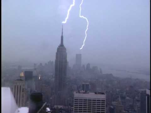 Watch as Lightning Strikes The Empire State Building In This Video_Image 0