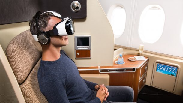 Virtual reality set trials by Qantas. Credits: vcircle.com