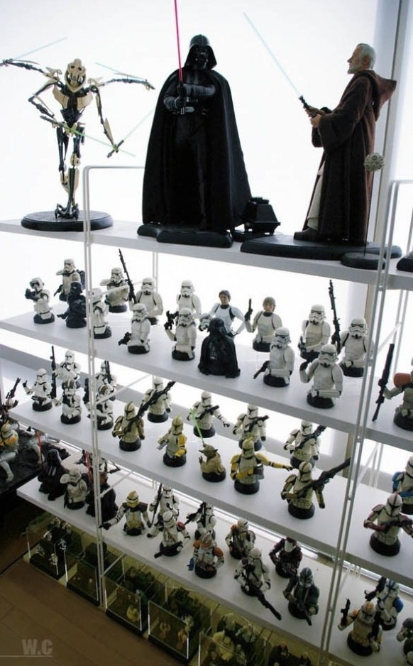 Shelves filled with Star Wars collectibles. Credits: HighliteImages