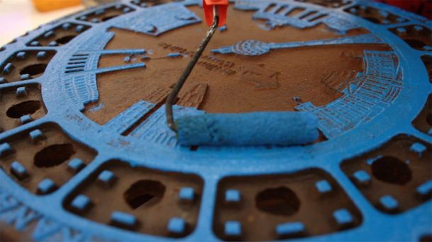 'Pirate Printers' Use Manhole Covers To Print Urban Style Custom T-Shirt Designs_Image 3