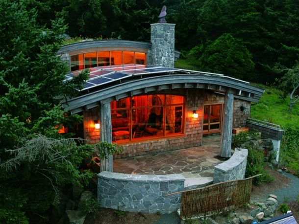 8 Homes That Generate More Energy Than They Consume_Image 21