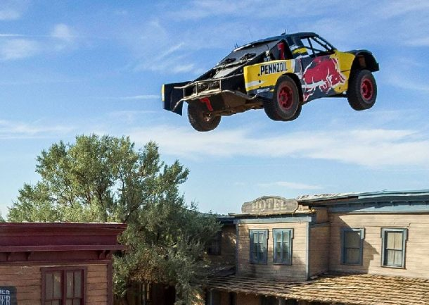 Bryce Menzies Jumps An Incredible 379 Feet In His Truck, Sets New World Record_Image 1