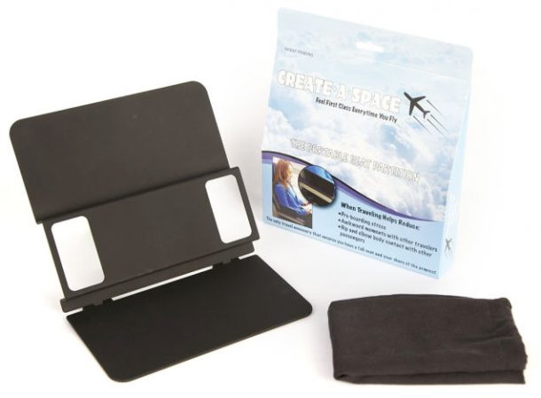 Create A Space Portable Seat Partition Makes Armrest Sharing In Airplanes Easier_Image 0
