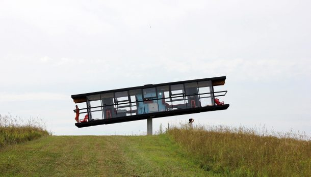 Performance Architecture Two Artists Built A 360 Degree Spinning House And Then Moved In_Image 7