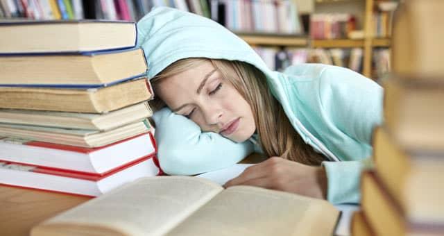 Sleep-exams-000080258703