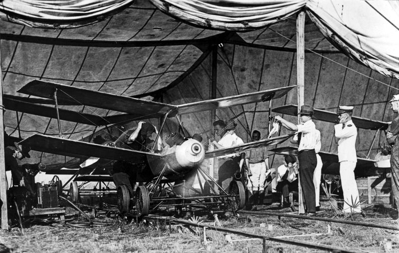 The First Drones Ever Were Used in WWI To Drop Bombs_Image 0