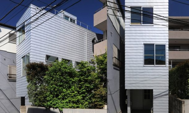 This Super Skinny 4-Meter-Wide House Is Squeezed Between Two Buildings In Tokyo_Image 1