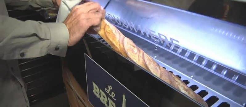 this vending machine makes fresh baguettes on demand. Black Bedroom Furniture Sets. Home Design Ideas