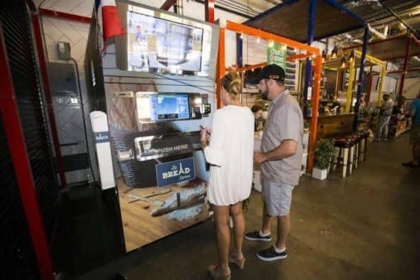 This Vending Machine Bids Bon Appétit With Its Fresh Baguettes_Image 3
