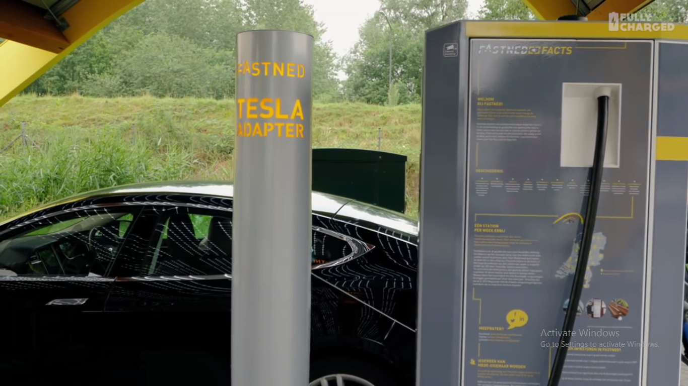 Now There Is A Network Of Solar Powered Car Chargers In Netherlands