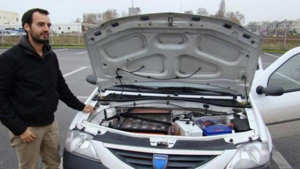 a-french-engineer-converts-old-cars-into-diy-poor-mans-teslas_image-1