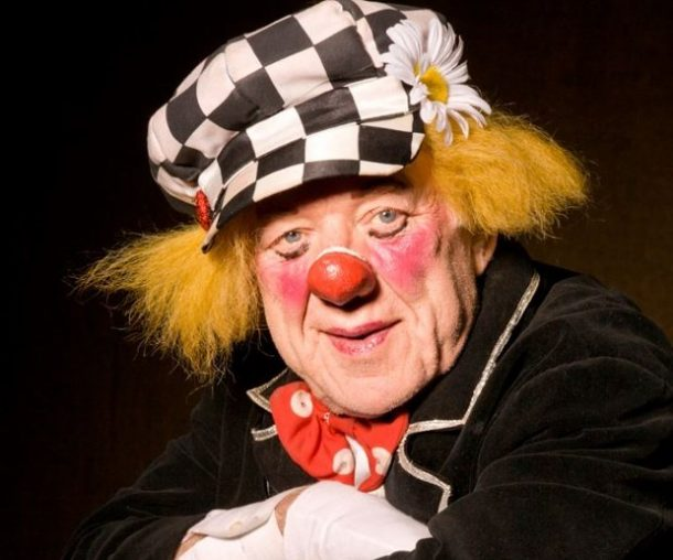 have-you-ever-wondered-why-clowns-wear-red-noses-heres-the-answer_image-1