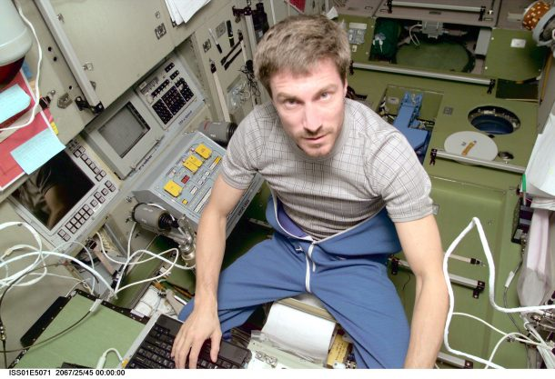 how-much-clothing-do-astronauts-pack-for-space-missions_image-1