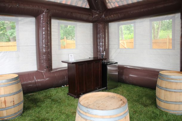 inflatable-pub-is-the-best-option-for-your-next-party_image-18