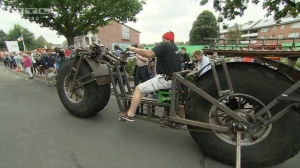 The German Man Used Scrap Steel and Tires From Old Fertilizer Spreader To Creates World's Heaviest Bicycle_Image 0