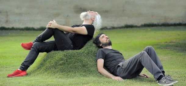 This Kit Lets You Grow A Grass Couch On Your Lawn_Image 1