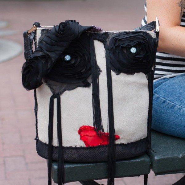 This Smart Self-Locking Handbag Will Take Care Of Your Shopping Addiction_Image 1