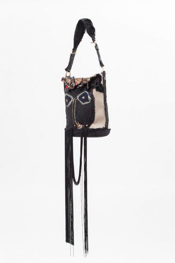 This Smart Self-Locking Handbag Will Take Care Of Your Shopping Addiction_Image 2