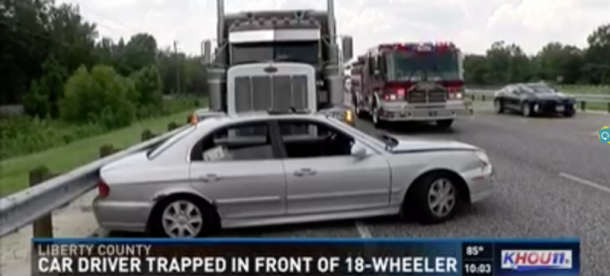 Truck Driver Had No Idea He Was Dragging A Hyundai Down The Highway_Image 0