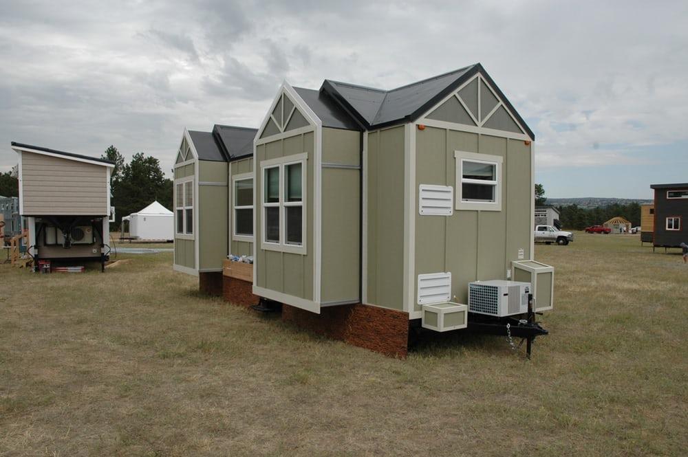 expanding-tiny-house-23
