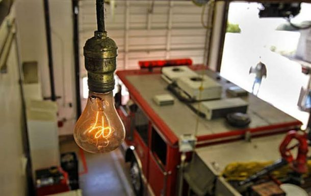 a-lightbulb-installed-in-livermore-california-has-been-ablaze-for-115-years_image-1