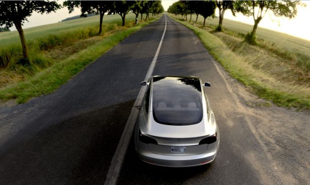 all-future-tesla-models-will-be-self-driving_image-7