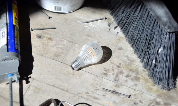 durabulb-is-the-worlds-first-nearly-unbreakable-led-light-bulb_image-2