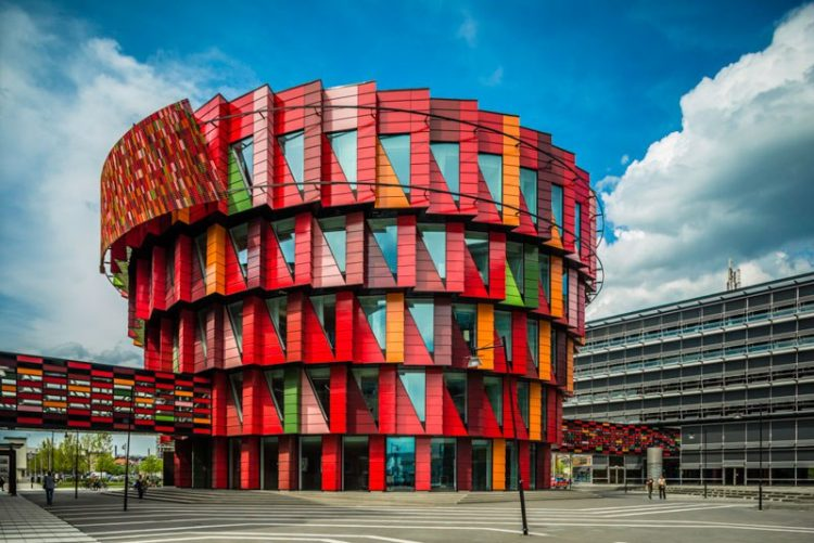 here-are-the-ten-weirdest-buildings-in-sweden_image-8