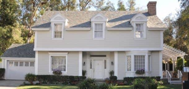 "Tesla ""Slate Glass Tile"" Solar Roof/Pic Credits: insideevs"