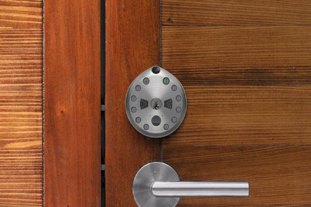 the-gate-smart-lock-allows-you-to-unlock-your-door-using-an-app_image-3