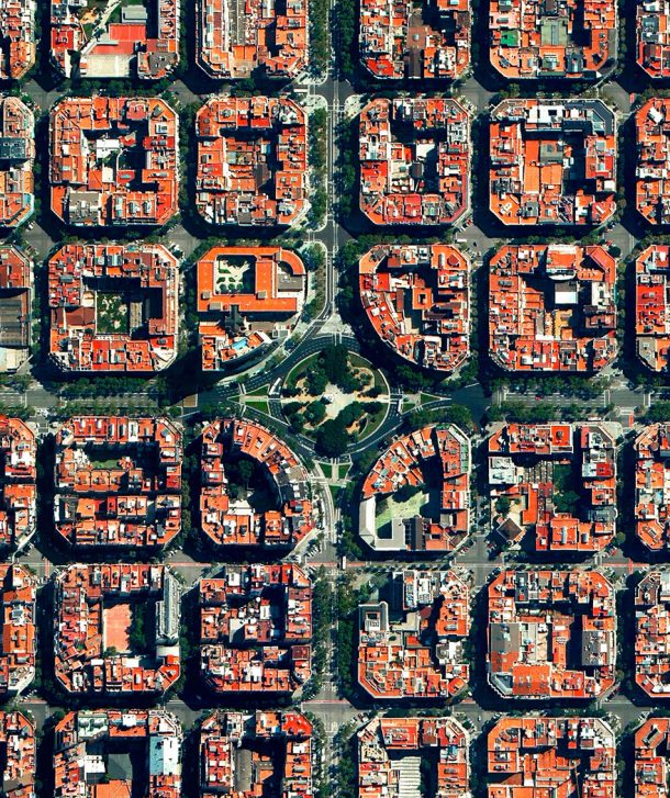 20-placa-de-tetuan-eixample-district-barcelona-spain
