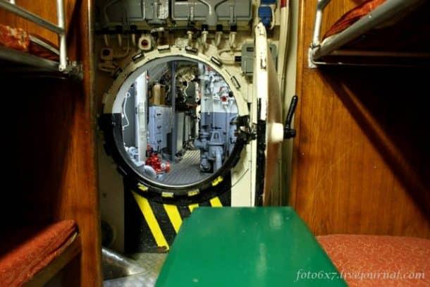 u-boat-inside