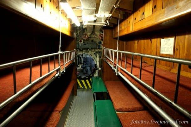 u-boat-inside3