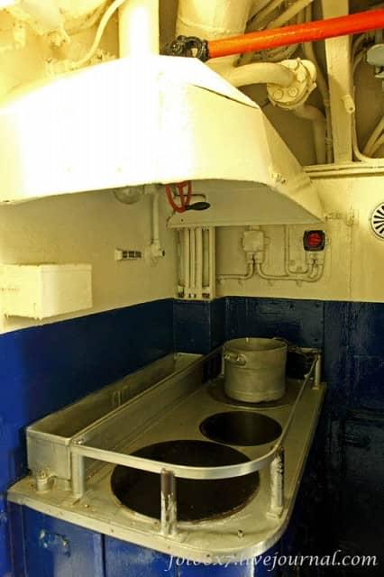 u-boat-inside34