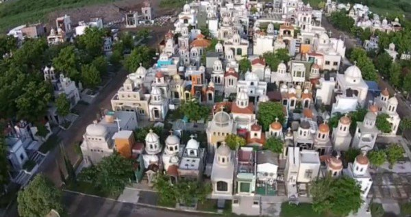 Mexico's Most Feared Drug Lords Rest In This Graveyard Of Villas