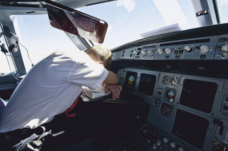 pilot passes out