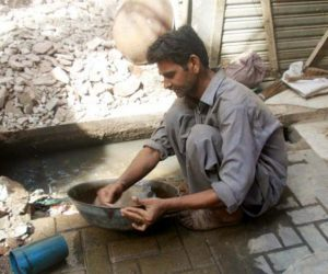 man finds gold in sewerage