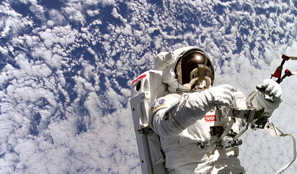 astronaut (2)