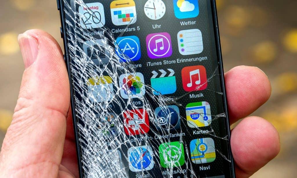 iphone crack (1)