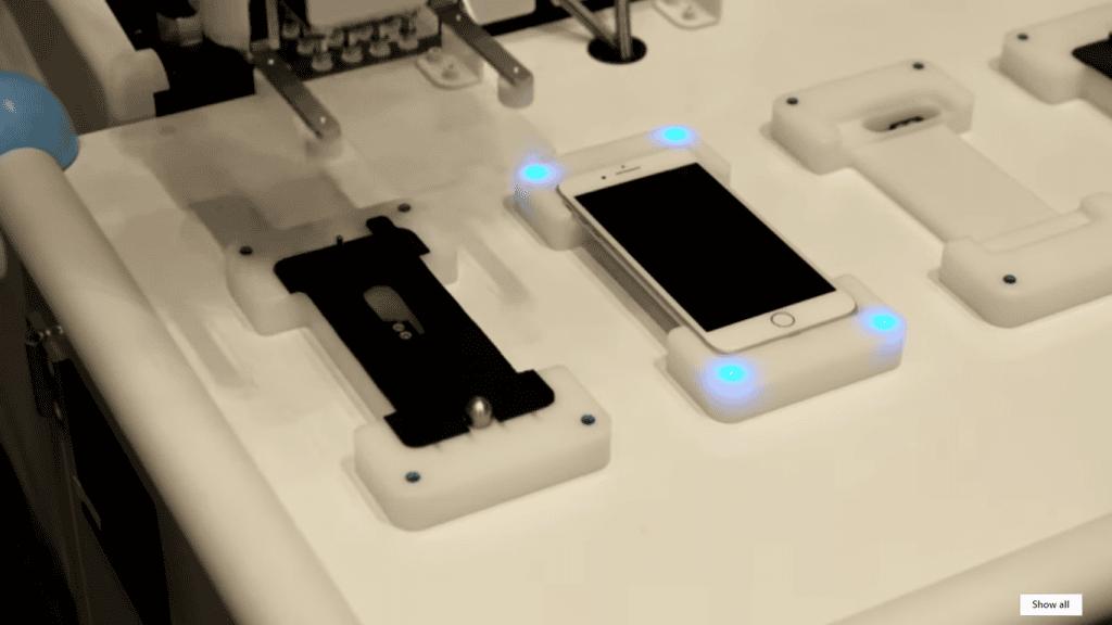 iphone screen protector robot