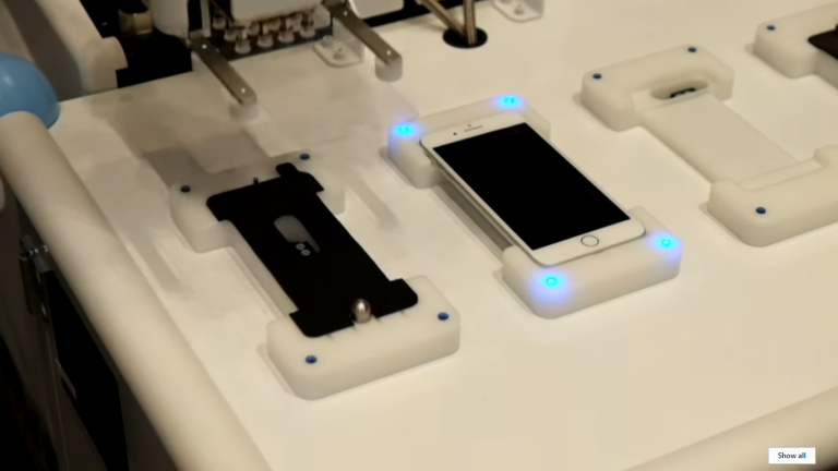 iphone screen protector robot