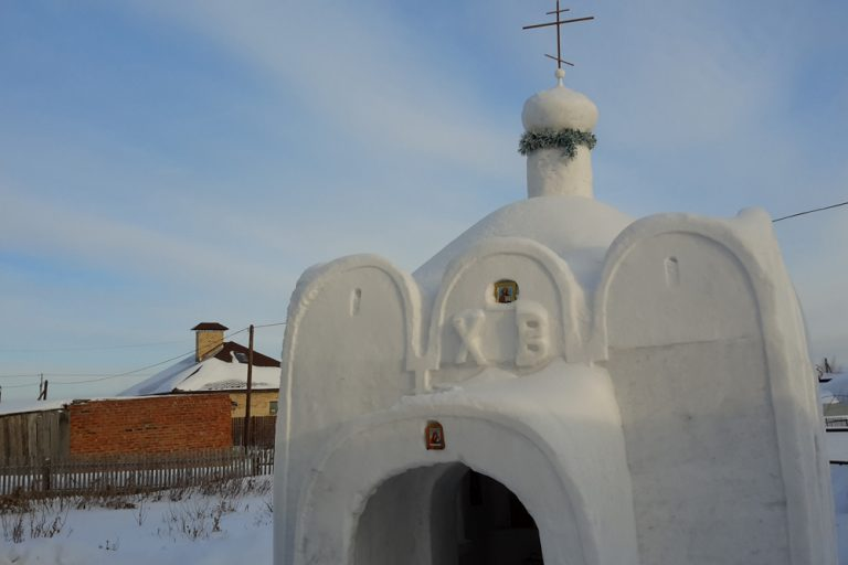 snow church (3)