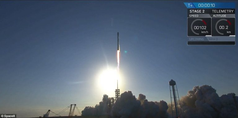 Falcon 9 SpaceX1
