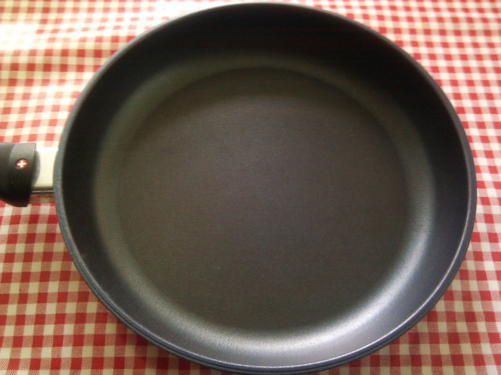 Teflon coating on pans