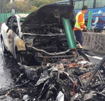 Tesla Model X Crash china (2)