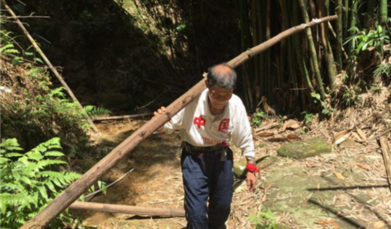 Disabled 76-Year-Old Chinese Builds Roads For His Isolated Village From His Own Pocket