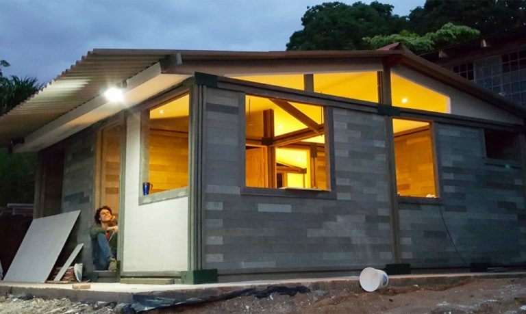 Conceptos-Plasticos-recycled-brick-building-10-1020x610
